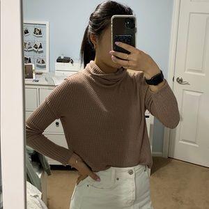Taupe/pink turtleneck thermal shirt
